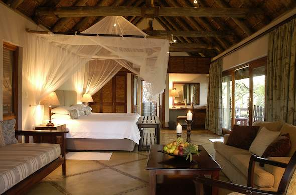 Thornybush Game Lodge has a Family Suite.