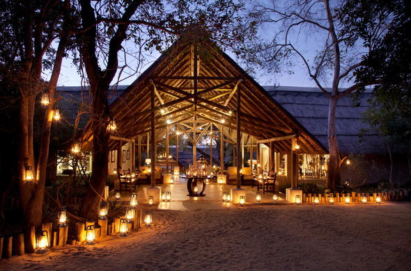Entrance to the main area of Thornybush Game Lodge.